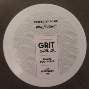 Grit with it pumice foot scrub